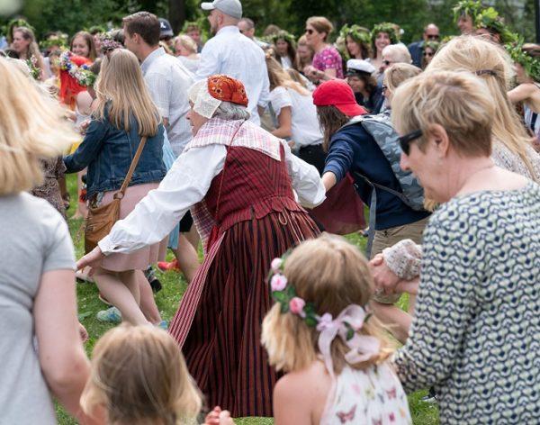 Välkomna till midsommarfirande i Saltsjö-Duvnäs!